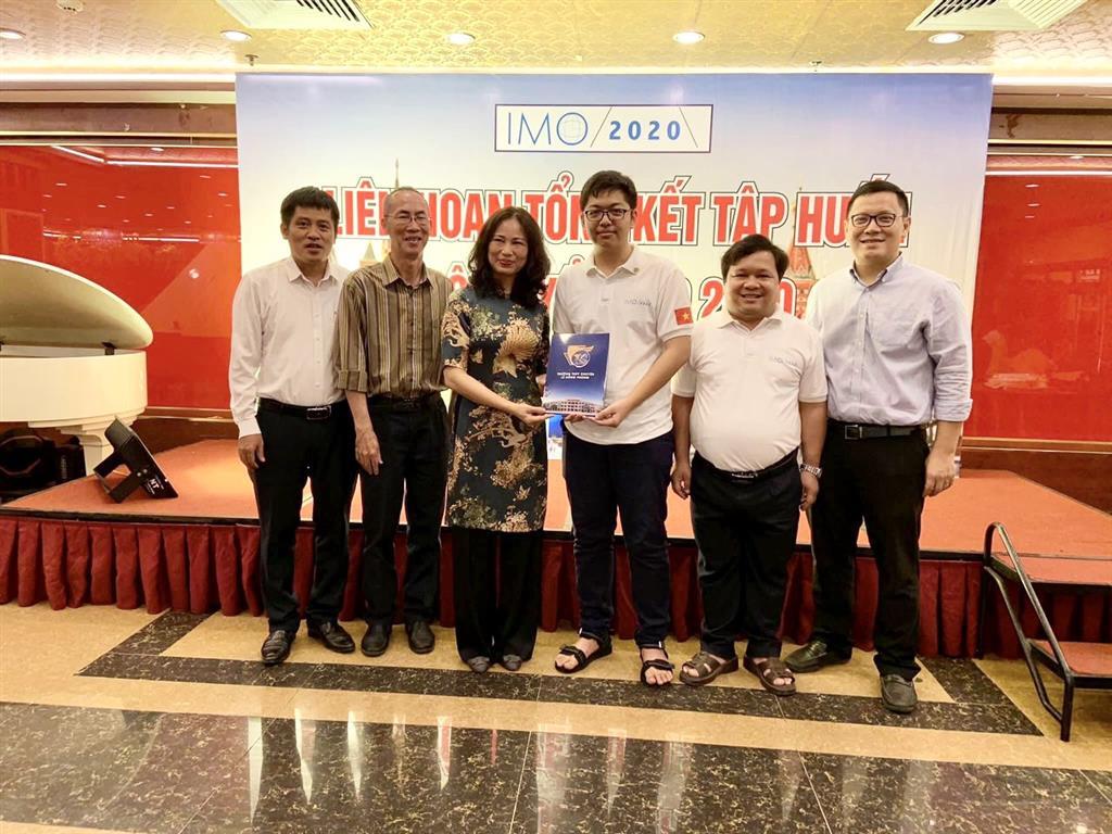 Đội tuyển Việt Nam bước vào kỳ thi Olympic Toán quốc tế đặc biệt trong lịch sử