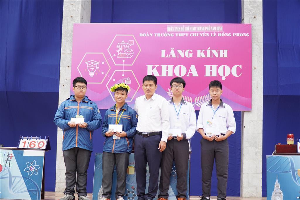 Cuộc thi lăng kính khoa học số 1 năm học 2020 – 2021