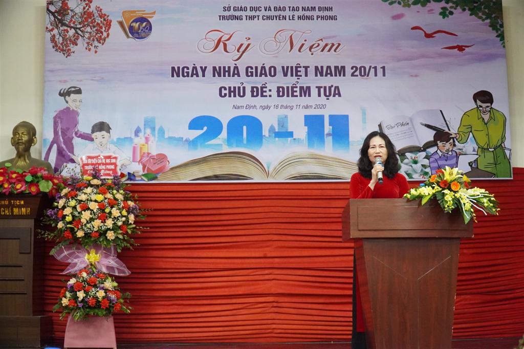 Người thầy - Điểm tựa thiêng liêng cho phụ huynh và học sinh nơi mái trường trăm tuổi tổ chức kỉ niệm Ngày Nhà giáo Việt Nam 20/11