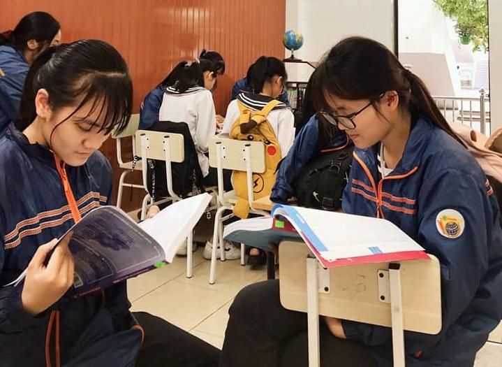 Những hoạt động tiêu điểm đẩy mạnh phong trào đọc sách ở trường THPT chuyên Lê Hồng Phong trong năm học 2020 – 2021