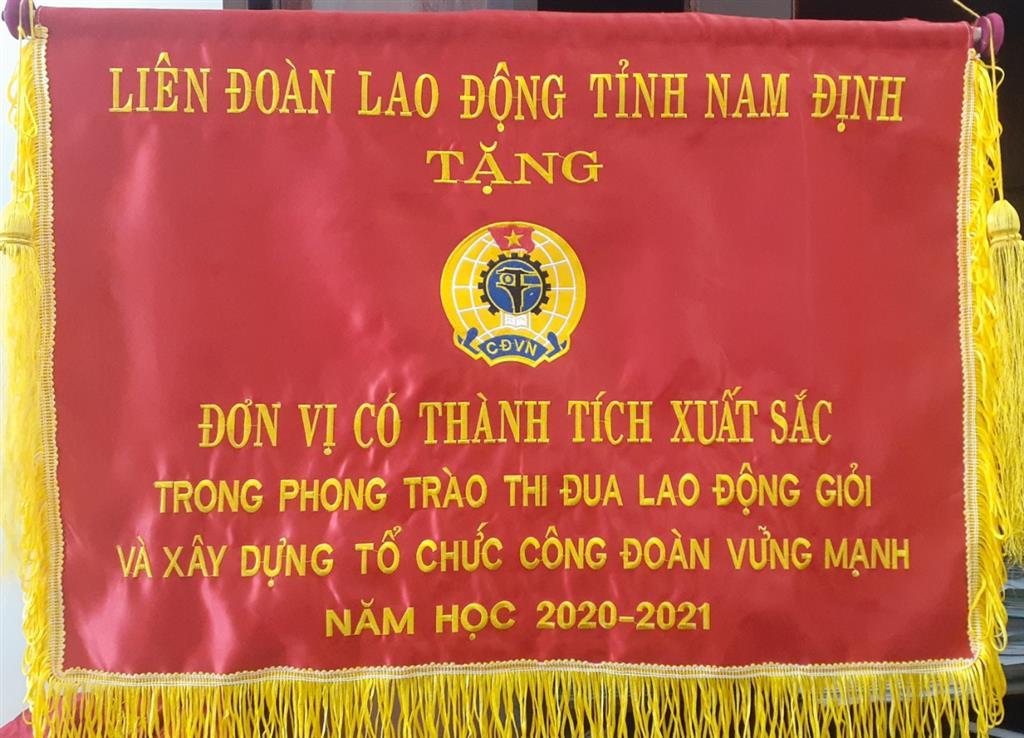 Công đoàn trường THPT chuyên Lê Hồng Phong - Những nỗ lực và thành tựu